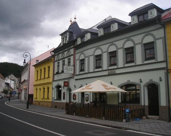 http://www.zarukakvalit.cz/data/pics/50305_8e7f9.jpg